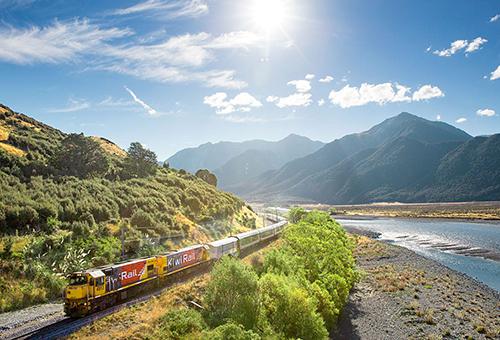 阿爾卑斯山號景觀列車